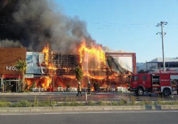 AVM yangınında 8 milyon TL kül oldu