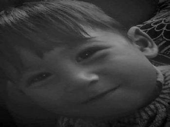 Üzerine televizyon düşen çocuk öldü