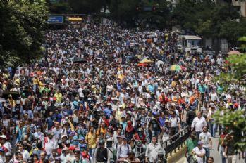 Venezuela'da muhalefet yeniden sokaklarda