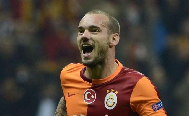 Sneijder gitti taraftar ayağa kalktı!