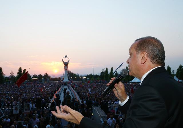 Cumhurbaşkanı Şehitler Abidesi'nin açılışını yaptı