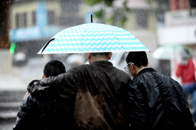 Meteoroloji'den İstanbul için sağanak uyarısı