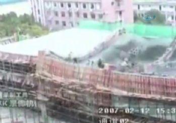 Beton yığını işçileri böyle yuttu