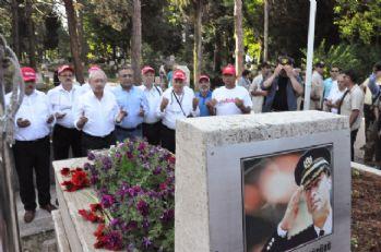 Kılıçdaroğlu, Gaffar Okkan'ın mezarını ziyaret etti