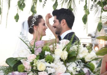 Burak Özçivit ve Fahriye Evcen evlendi! İşte yılın düğününden kareler