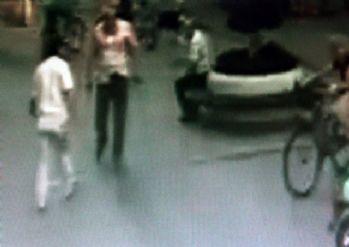 İş adamına silahlı saldırı kamerada