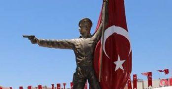Ömer Halisdemir heykeli açıldı