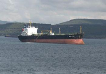Çanakkale Boğazı'nda gemi karaya oturdu