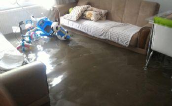 Kağıthane'de evleri su bastı
