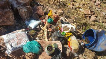 Teröristlere ait toprağa gömülü gıda maddesi ele geçirildi
