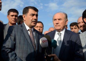 Vali Şahin ve Başkan Topbaş selin vurduğu bölgeyi inceledi