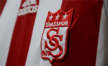 Sivasspor, Cem Özdemir ile 3 yıllık sözleşme imzaladı