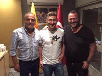 Sabri Göztepe ile anlaştı, sosyal medya yıkıldı