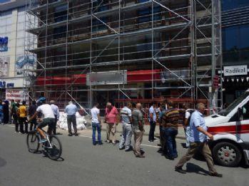 Suriyeli işçiler boşluğa düştü: 1 ölü, 1 yaralı
