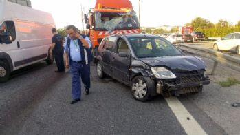 Kağıthane TEM'de trafik kazası: 4 yaralı