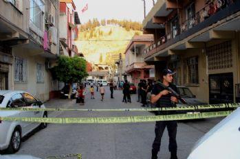Pompalı tüfekle ölüm saçtı: 2 ölü, 1 yaralı