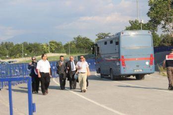Eski rektör tutuklandı, 5 kişi tahliye edildi