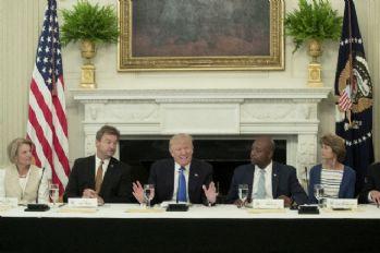 Trump Cumhuriyetçi senatörleri ağırladı