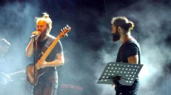 Ayvalık'ta Koray Avcı'dan müthiş konser