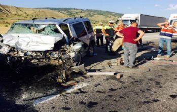 Erzincan'da trafik kazası: 4 ölü, 5 yaralı