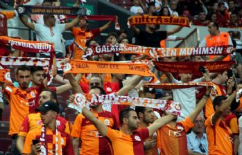 Türk Telekom Stadyumu'nda 33 bin 066 kişi maçı izledi