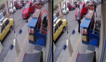 15 dakikada 2 evi soyan hırsızlar kamerada
