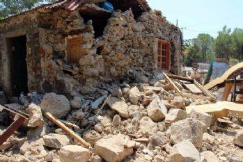 Deprem binalarda ağır hasara yol açtı