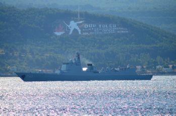 Çin savaş gemileri Boğaz'dan geçti