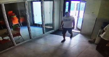 'Hero' tişörtüne bir tutuklama daha