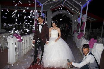 Yarım kalan düğünlerini 10 ay sonra tamamladılar