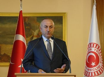 Bakan Çavuşoğlu'dan telefon trafiği