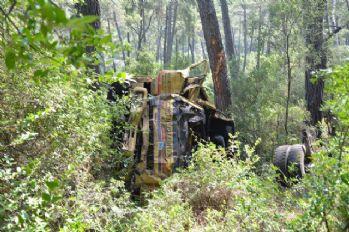 Çöp kamyonu uçuruma yuvarlandı: 2 ölü, 1 ağır yaralı