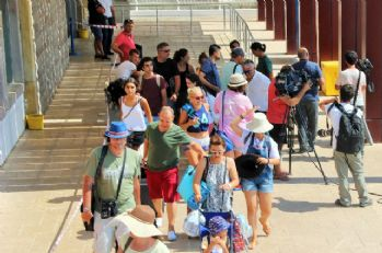Kos Adası'ndan tahliyeler devam ediyor