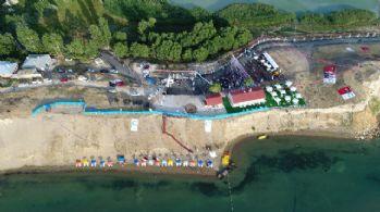Van Gölü sahilinde halk plajı açıldı