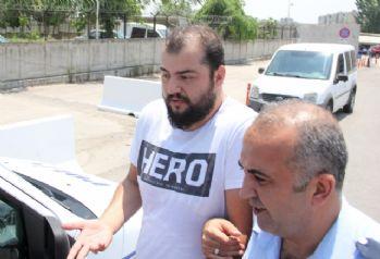 'Hero' yazılı tişörtle sınava giren kişiye gözaltı