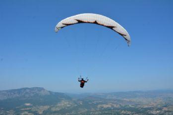 Hasan Dağı yamaç paraşütü yapanların ilgi odağı oldu