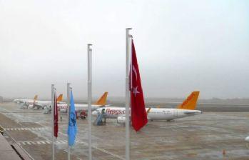 İstanbul'a iniş yapamayan 6 uçak Bursa'ya indi