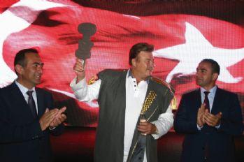 Nuri Alço 'Gazoz Kralı' ilan edildi