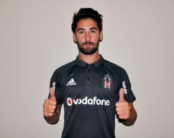 Beşiktaş formasını giydi