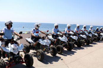 Antalya sahilleri onlara emanet