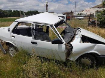 Askeri araç ile otomobil çarpıştı: 1 ölü, 4 yaralı