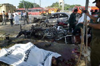 Pakistan'da bilanço arttı: Çoğu polis 25 ölü