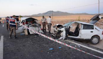 Düğün konvoyunda kaza: 3 ölü, 3 yaralı