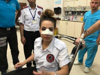 Su şişesi ile kadın güvenliğin burnunu kırdı