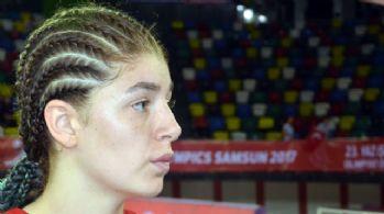 Ecrin, Türkiye-Kenya maçına damga vurdu