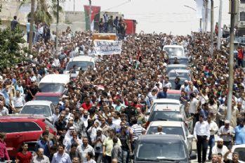 İsrail konsolosluğunda öldürülen genci binler uğurladı