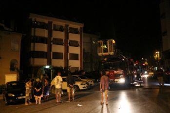 Etiler'de yangın, mahalle sakinlerini sokağa döktü