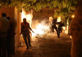 Mescid-i Aksa'da namaz sonrası İsrail terörü!