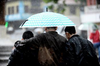 Sağanak yağmur fena geliyor! 17 ilde alarm