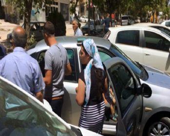 Otomobilde rehin kalan çocuk cam kırılarak krutarıldı